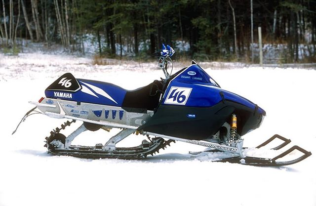 Yamaha vmax mod! It's the narrow chassis with a 800 twin based off of the super jet watercraft engine. Photo:@racewerx #Sleddersrus #Family #Snowmobiling Www.sleddersrus.com