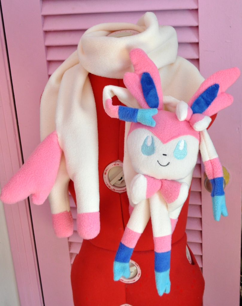 Long-cat styled Sylveon Scarf