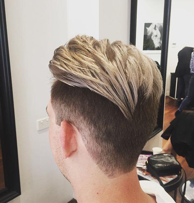 Even the men love a bit of the silver blonde tones ..... great colour by kiara @kkgg_ . . . . . #mencolour #blonde #silvertoner #purecolours #floreat #hair #cambrigestreet #menhair #cut #davines #hairbykiara #articohairperth #perthhair #perthhairdresser #perth