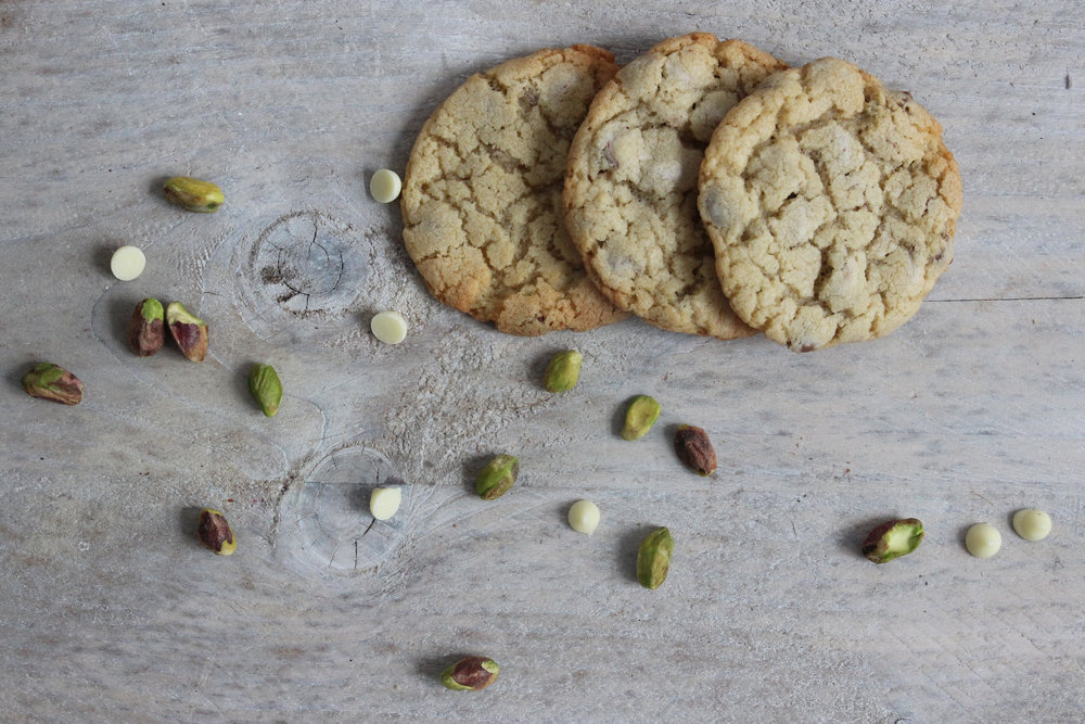 white chocolate and pistachio cookies, gift ideas for men