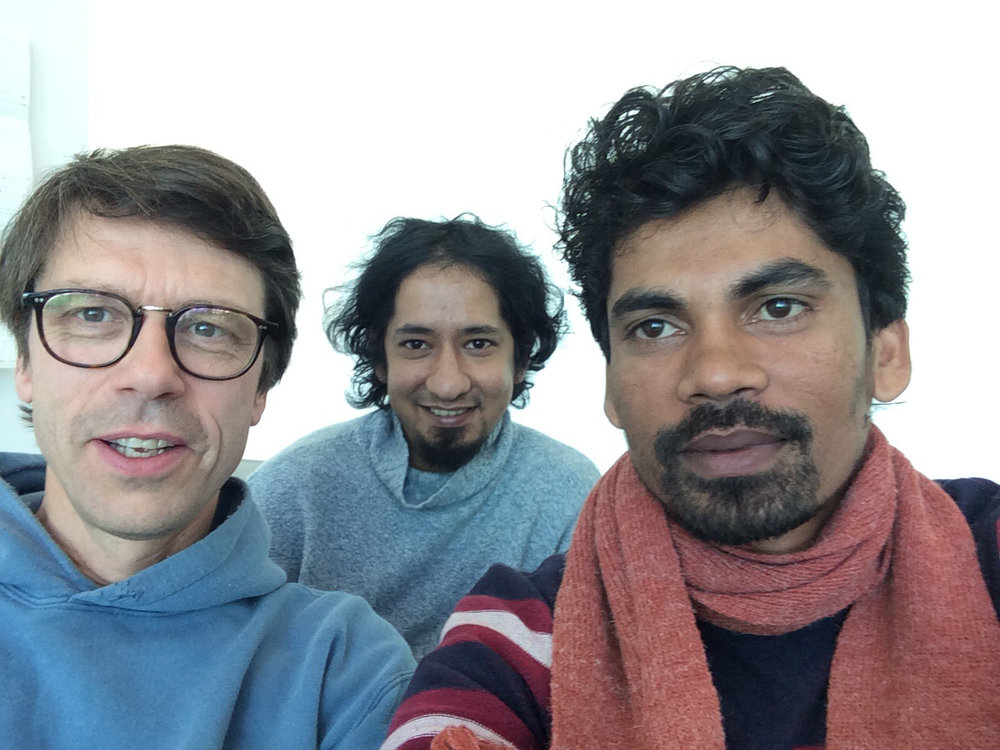 Director Daniel Baumann with Rafiqul Shuvo and Samsul Alam Helal. Courtesy of the artists and Kunsthalle Zürich.