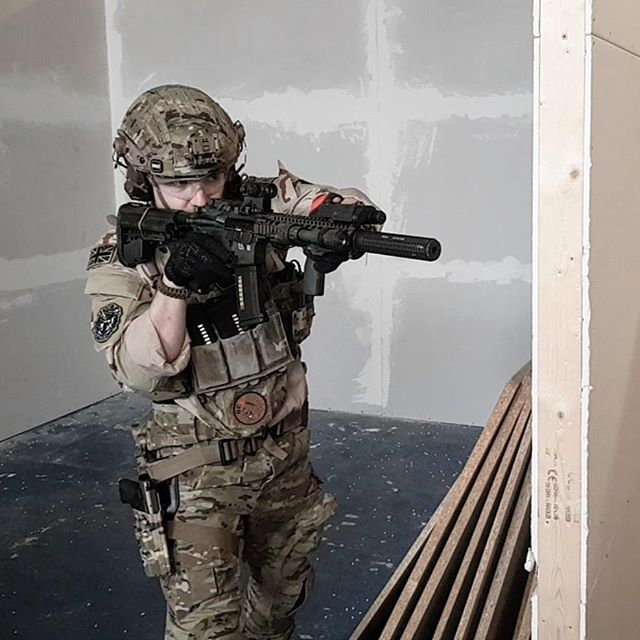 Gunfights down at @firstandonlythemill running my @mile_gear_holsters drop leg #mattthemusketeer #airsoft #airsoftuk #milsim #ukairsoftcommunity #youtube #airsoftus #6mmwarrior #training #coldspear #cqb