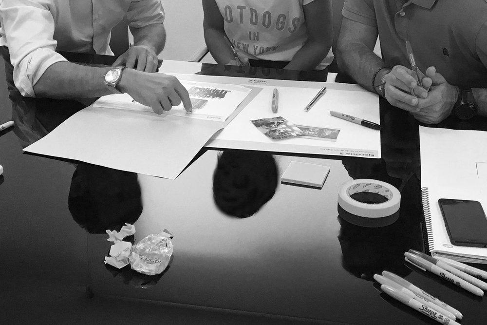 Contemporary workshops - Ofrecemos sesiones de trabajo para entender el contexto físico y digital de las marcas y clientes del siglo XXI.¡Desde inspiración para comercios offlinea tendencias de retail inteligentes! ¡Desde la visión estratégica omnicanal a impresionantes acciones de retail!Estas sesiones de trabajo están pensadas para ti, tu equipo, y sobre todo, tu marca.