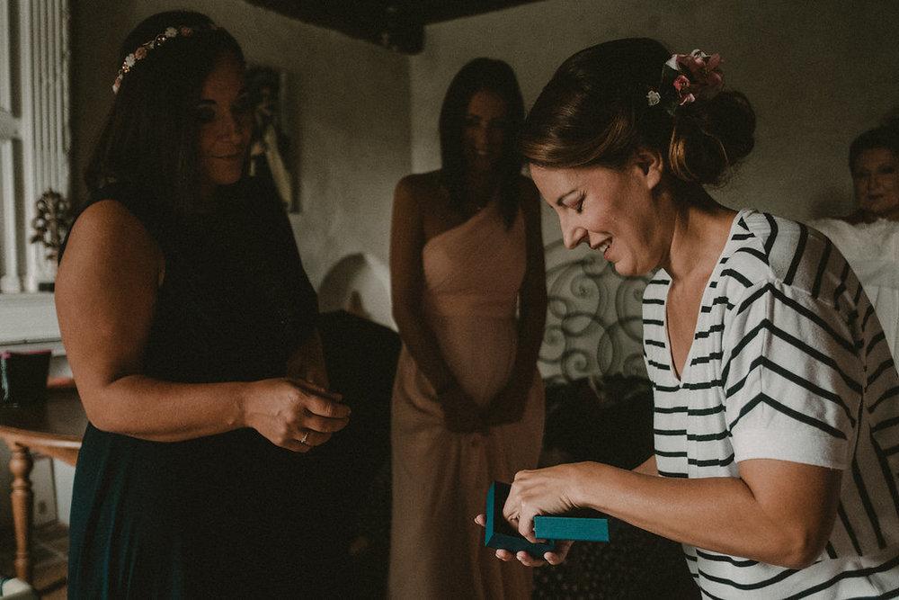 photographe-mariage-rhone-alpes-domaine-des-plagnes (21).jpg