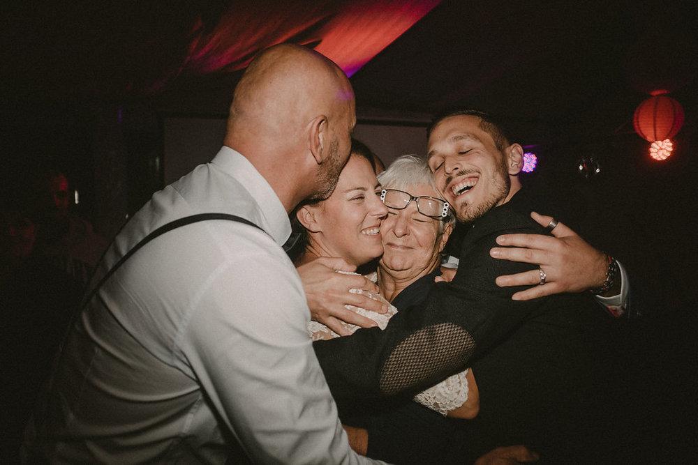 photographe-mariage-rhone-alpes-domaine-des-plagnes (175).jpg