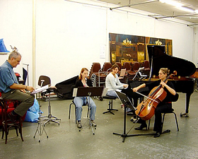 receiving coaching from Harry Sparnaay, with Chiffre Trio