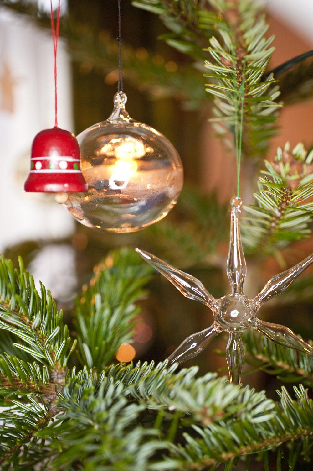 christmas-decoration_zybr-Vq_.jpg