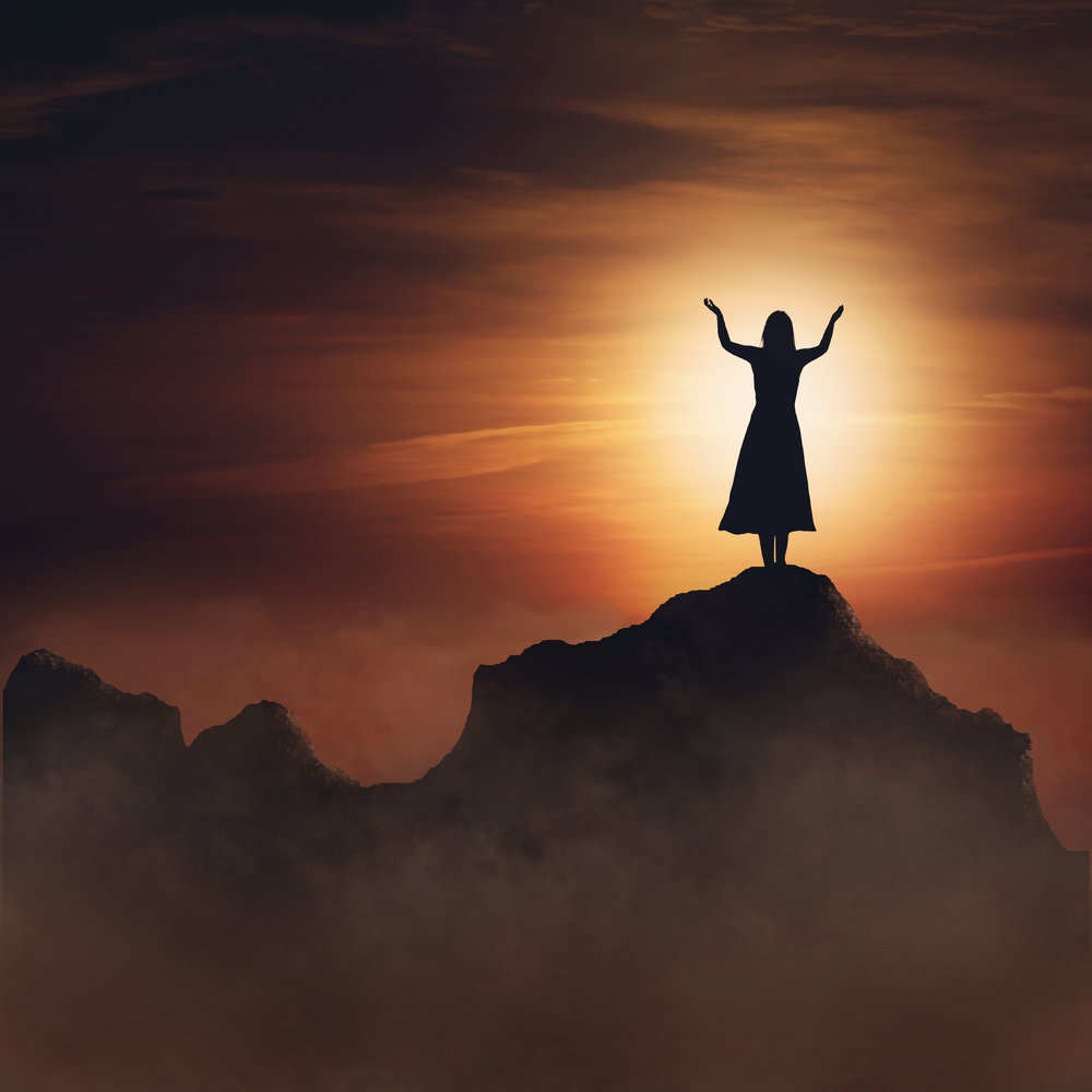 woman-on-mountain-in-praise-and-worship_BXmzp0-xC.jpg