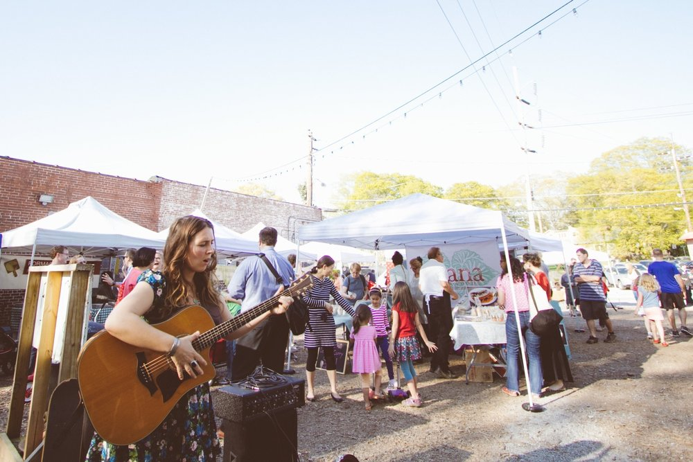 EAV Farmers Market Opens for Season in April