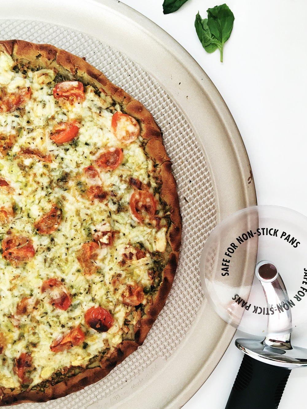 TheBusyBee_GlutenFreePizza_Recipe_OXO