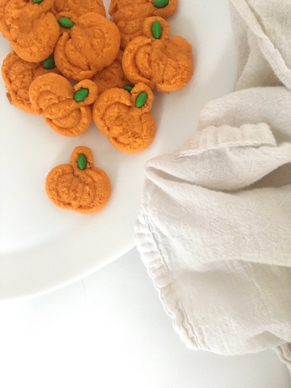 The Busy Bee Pumpkin Spritz Cookies Baking a Difference with OXO #OXOgoodcookies