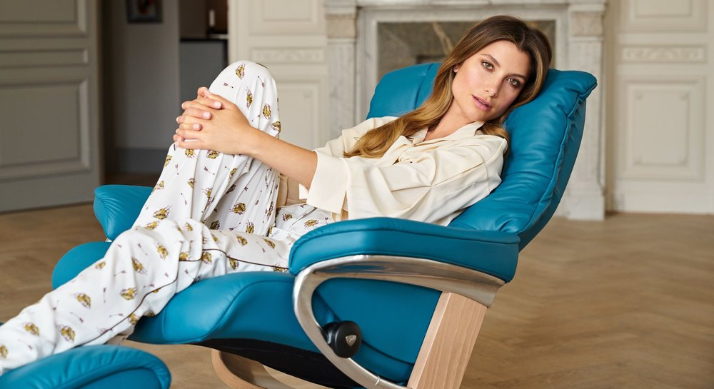 Stressless Mayfair in Paloma Crystal Blue