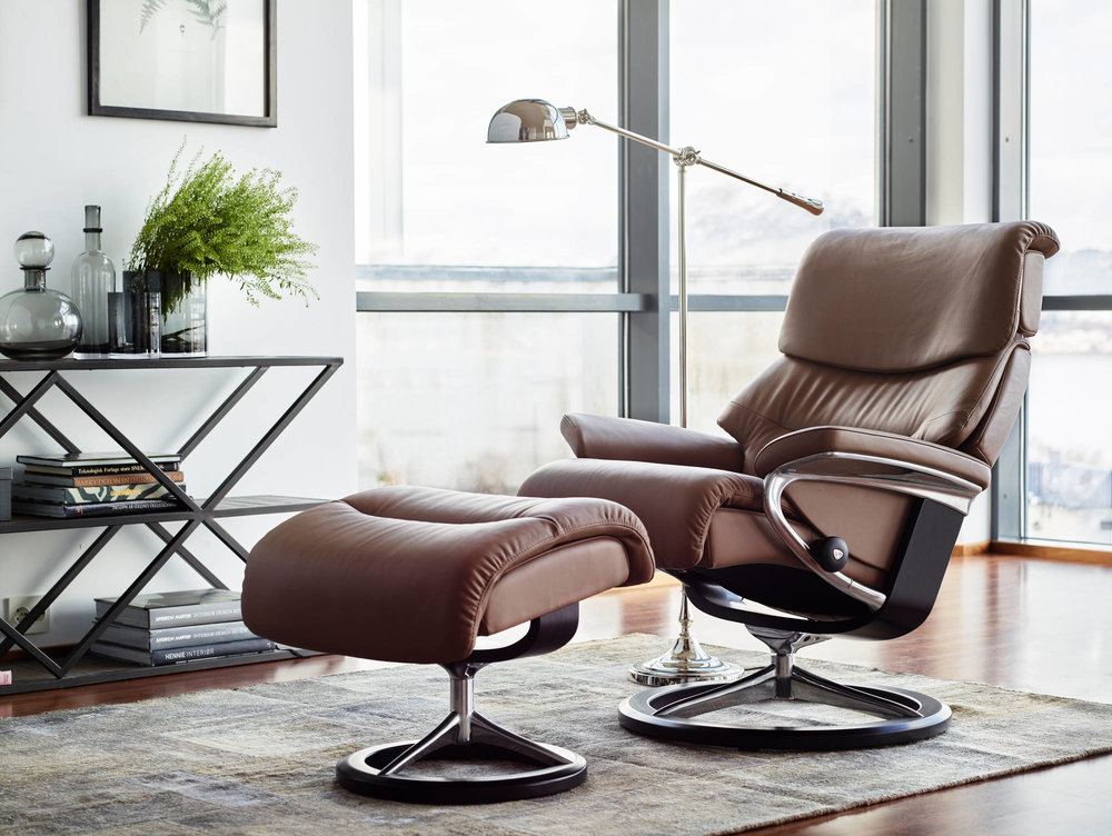 Stressless Capri on Signature Base