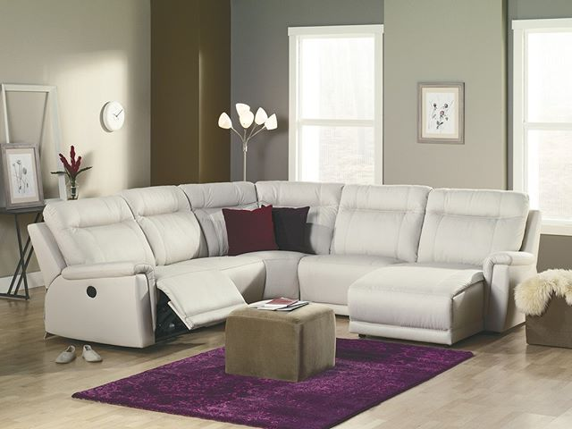 Your home should be the antidote to stress. Kick back and relax in a Westpoint Sectional, designed with high resilience seat foam for superior durability and comfort.⠀ ⠀ #DesignerHomeComfort⠀ #Palliser⠀ #LeatherFurniture