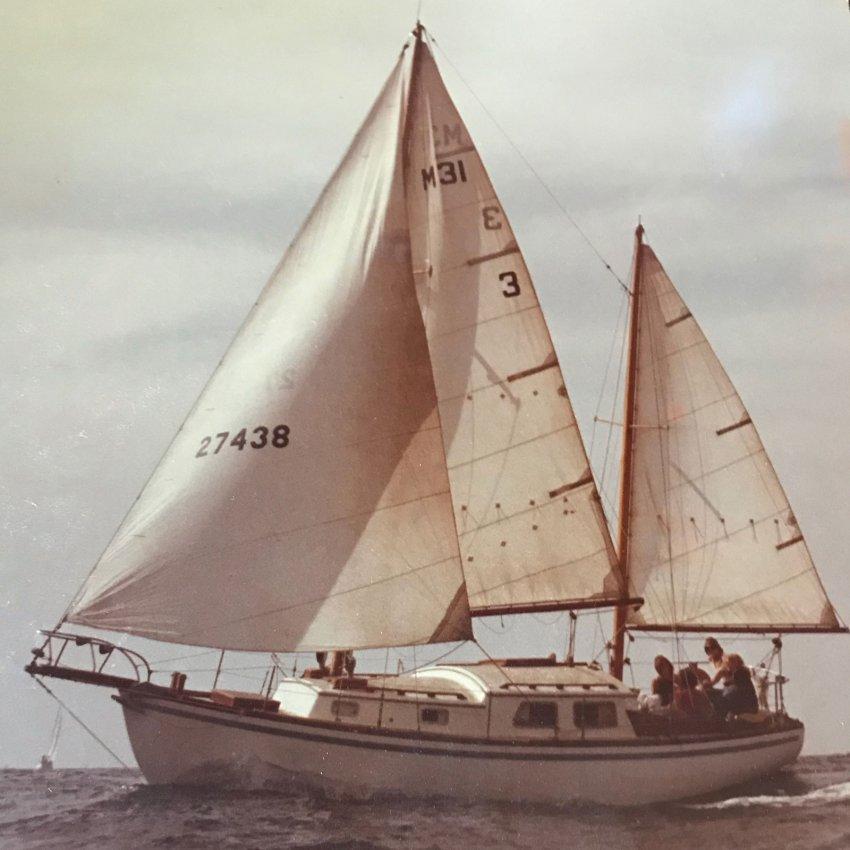 cortez-sail-boat_s.jpg