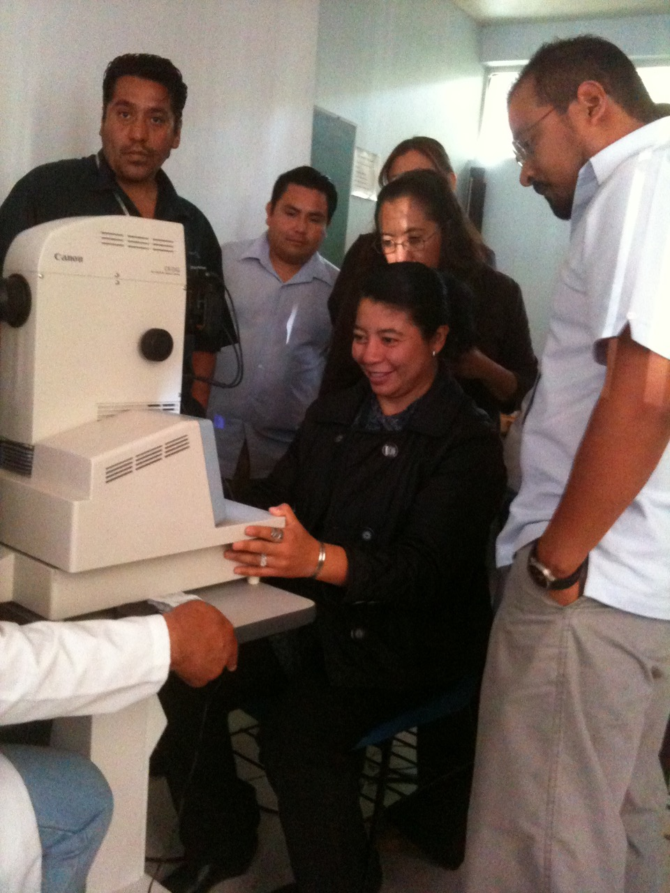 Primary Care Physicians in Guanajuato, Mexico, practice their newly learned digital retinal imaging skills for diabetic retinopathy screening.