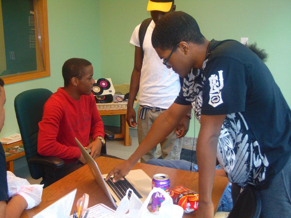 New Lens Urban mentoring SOciety 03.JPG