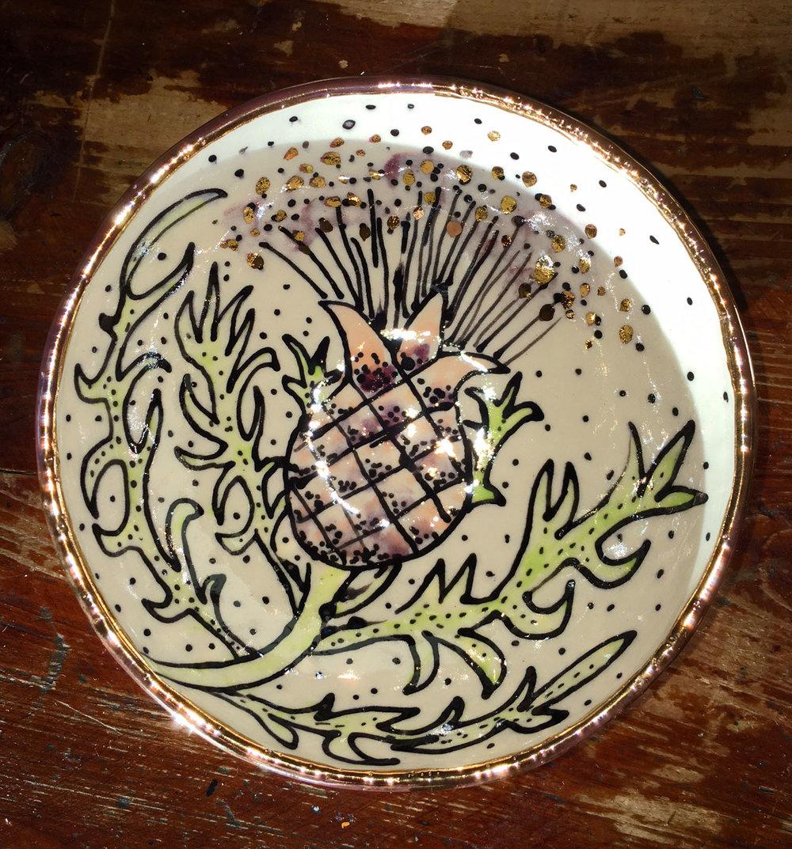 Porcelain bowl, thistle, gold luster