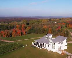 Special shout-out to Rove Estate.  Super close to Traverse City...we loved it! (Photo from pnweb.com)
