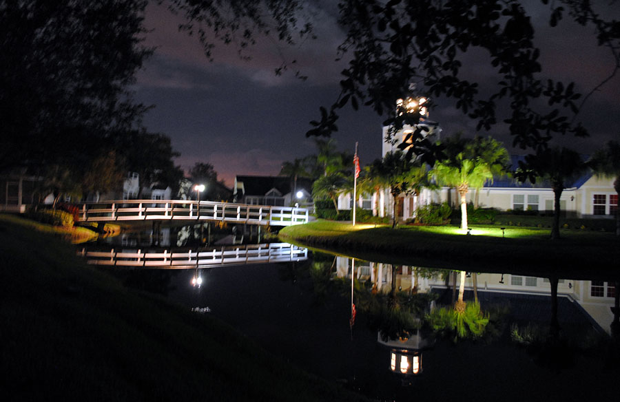 Bridge near midnight 2.jpg