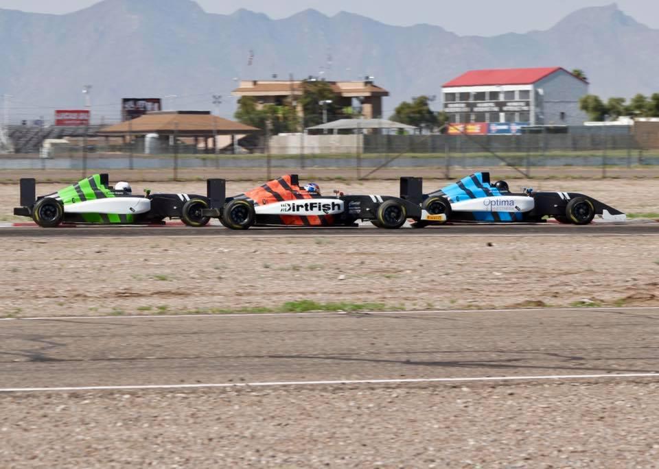 formula4-3cars.jpg