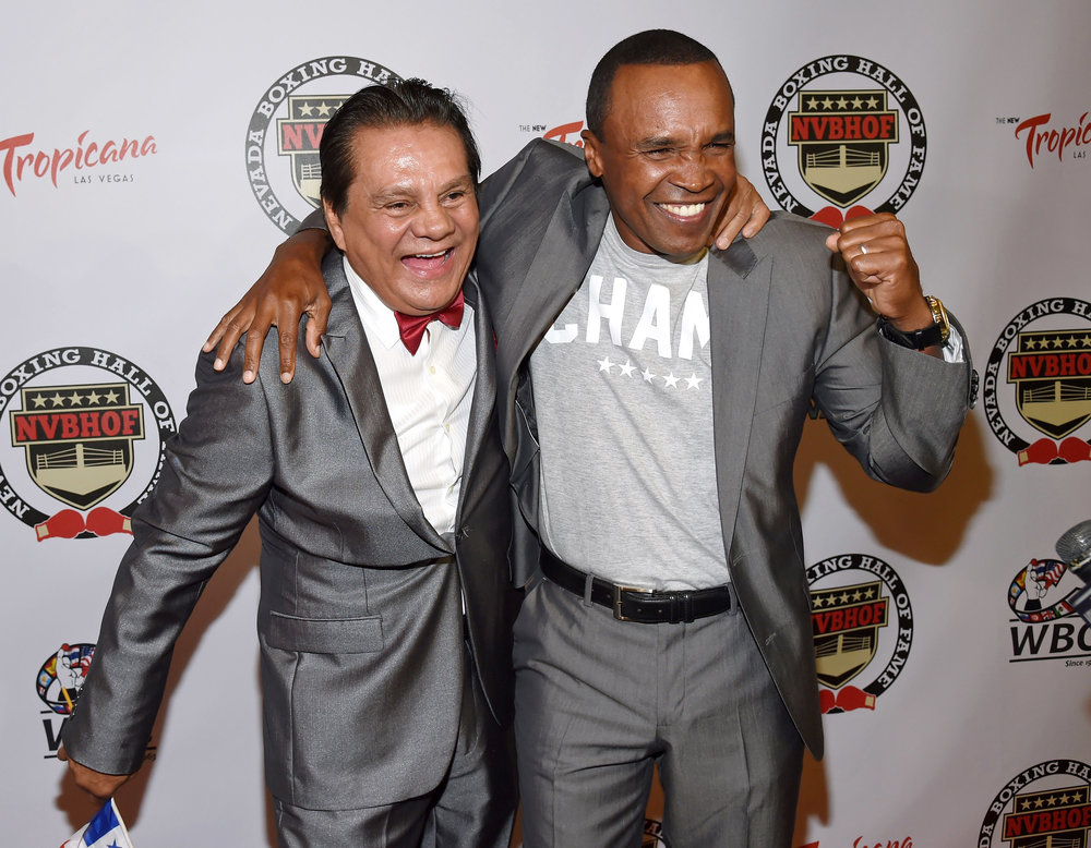 roberto-duran-and-sugar-ray-leonard-red-carpet-nbhof-photo-by-ethan-miller_gettyimages.jpg