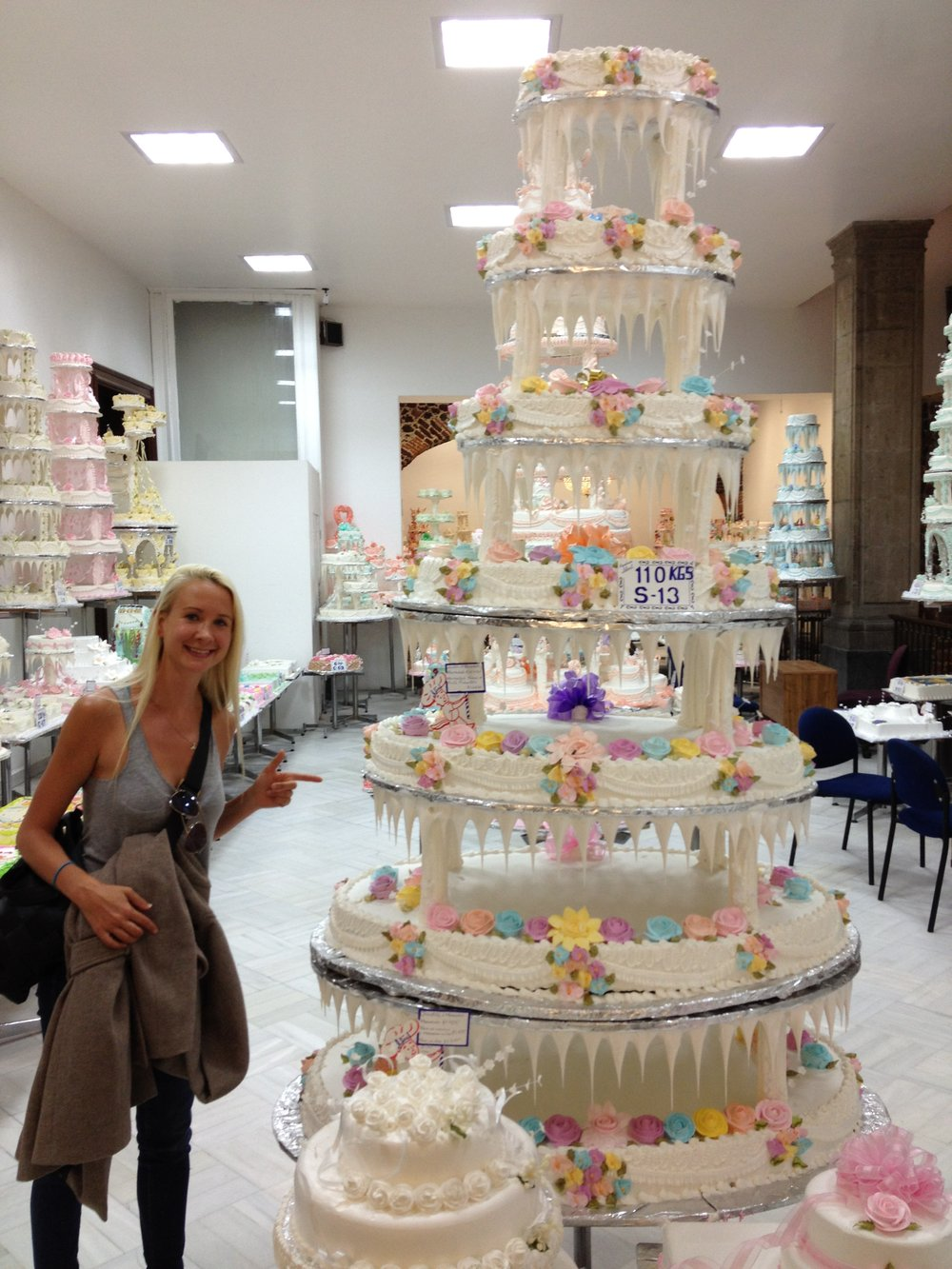 Walking around downtown you'll find tons of interesting places--including this famous bakery and wedding cake shop.
