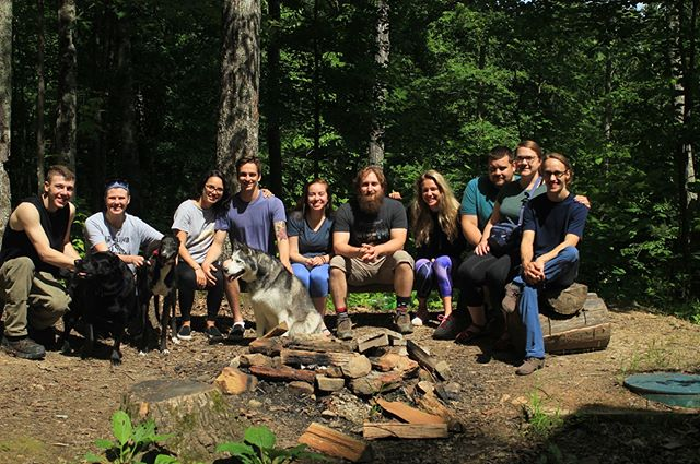 Our crew enjoyed Memorial Day at the Red! What more could you ask for than good climbing, great people and lots of dogs? #rrg #redrivergorge #climbing #rockclimbing #outdoorseason #memorialdayweekend #puppiesgalore