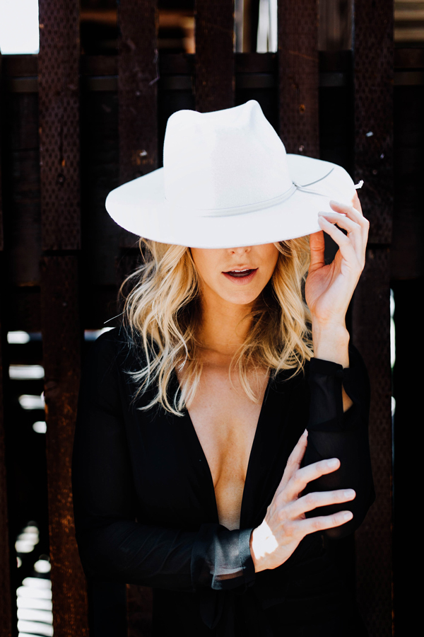 Catie Menke, Melody Sanchez, Design De Amore, Griffith Imaging, Pearls Makeup, Wardrobe Styling, Fashion Photography, AZ