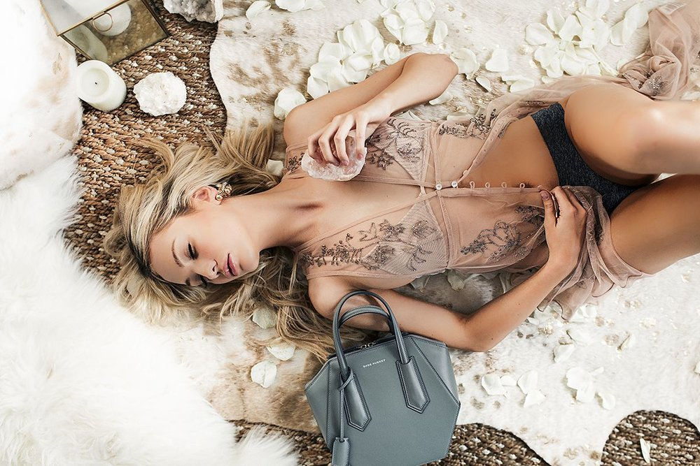 desIGN DE AMORE - BRANDING - FASHION PHOTOGRAPHY - CELEBRITY MAKEOVER - ALLY MASON - FORD MODELS