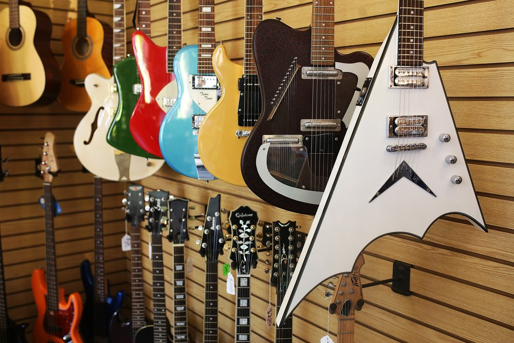 DiPinto guitar