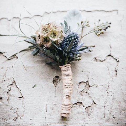 Boutonnières for the boys 💪. This one is from Alyssa and Curtis' wedding. Check out more on the website!