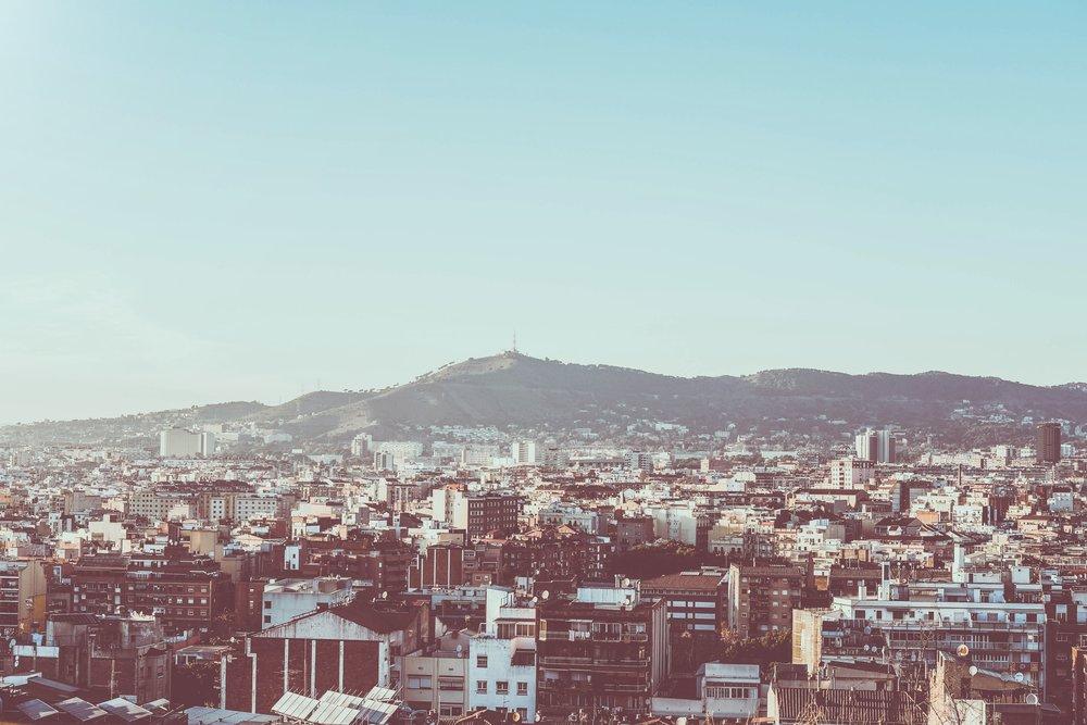 barcelona-buildings-city-786126.jpg