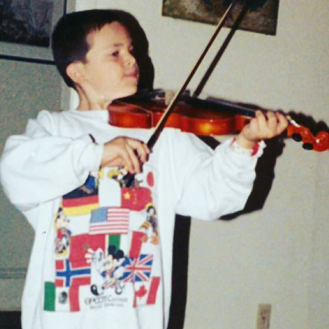 #fbf over a decade before I came out of the closet ... as a pianist 🏳️‍🌈 🎹 🐉 #suzuki #gavotte #sorrysofia #violinforsale