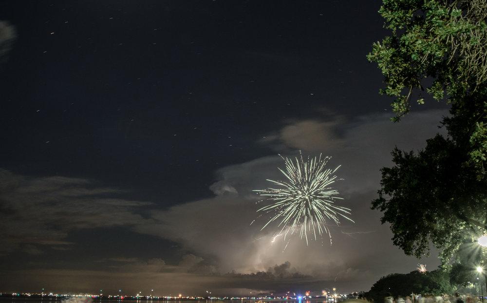 fireworklightning3.jpg