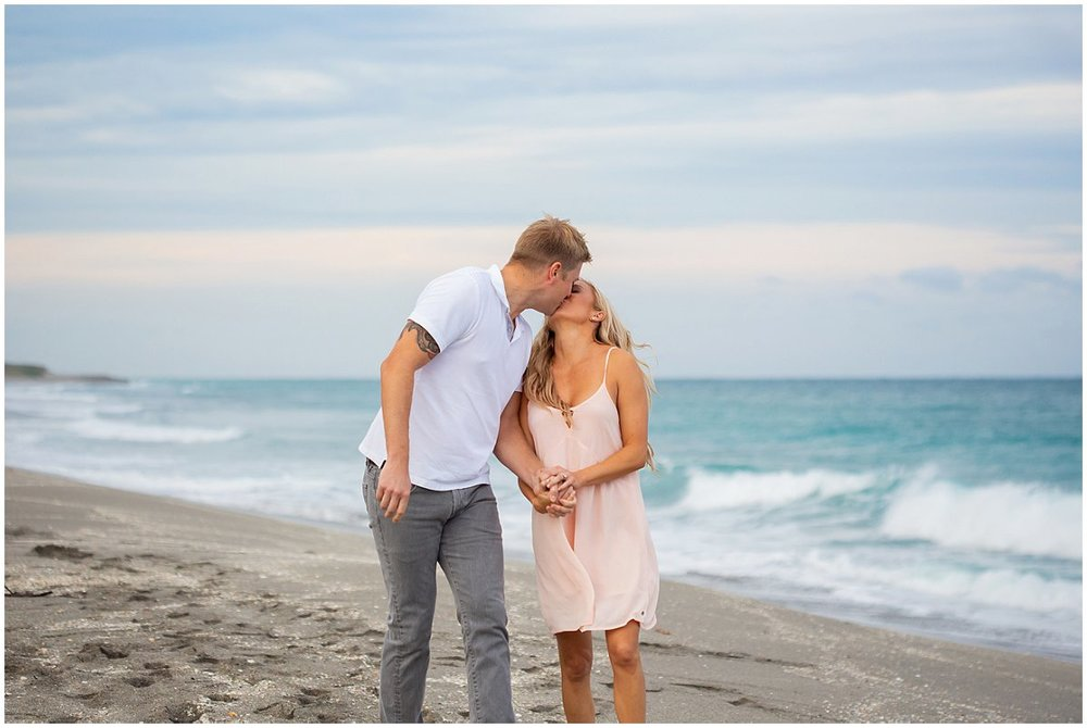 Daytona-beach-engagement-photographer.jpg