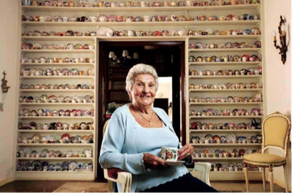 Mysteries of the city: a story on a lady that collects more than 390 teacups in her house and another on where your phone is more susceptible to be stolen in the city.