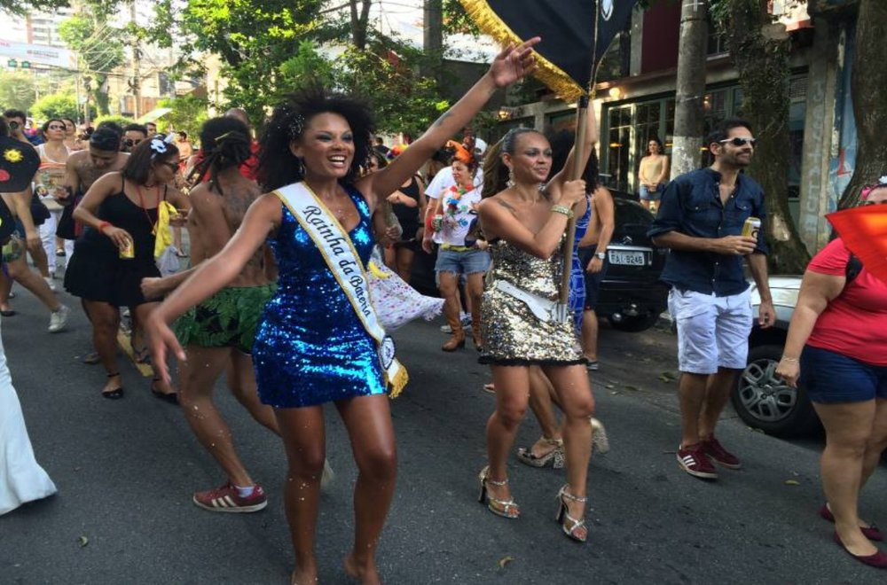 Post-Carnival in Vila Madalena neighborhood: After new security measures, street parties have to follow restrictions on alcohol and number of people.