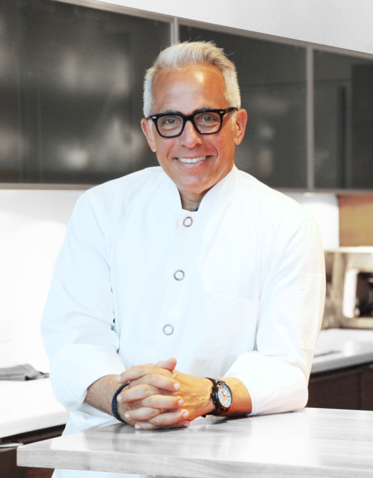 <strong> Iron Chef</strong> <br> Geoffrey Zakarian