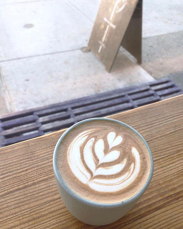It's a cozy mocha kind of day 🍫✨☕️ . . . . . #supercrowncoffeeroasters #supercrowncoffee #supercrown #super👑☕️ #☕️ #coffeeroaster #drinkbettercoffee #specialtycoffee #bushwick #bushwickcoffee #brooklyn #brooklyncoffee #brooklyncafe #cafe #chocolate #mocha
