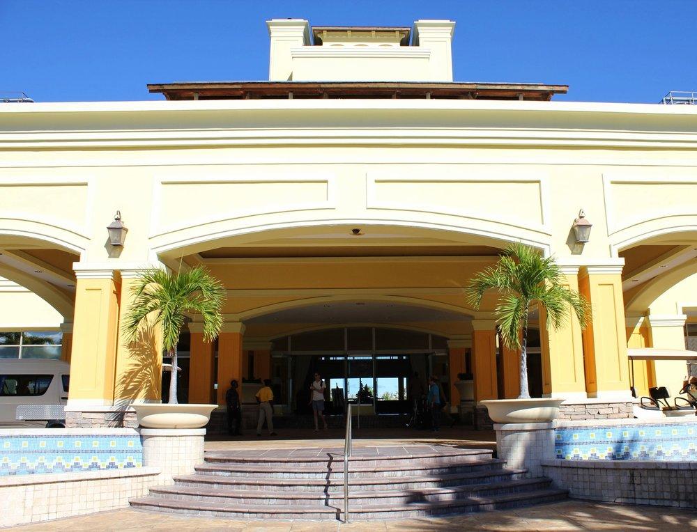 Marriott Resort St. Kitts – Front entrance