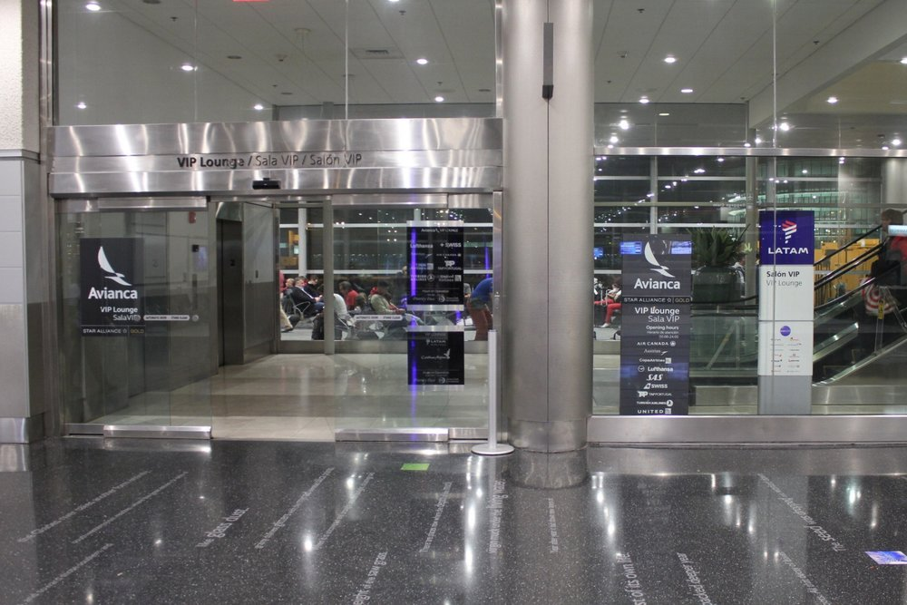 Miami International Airport – Entrance to lounges, Concourse J