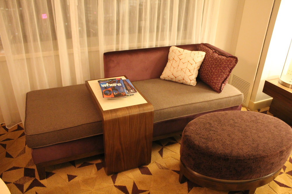 Sheraton Seattle – Daybed with sliding table and ottoman