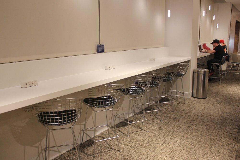 Centurion Lounge Seattle – Bar seats