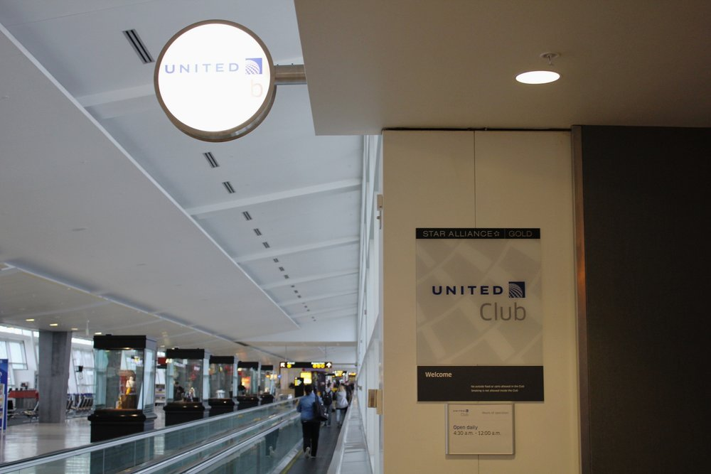 United Club Seattle – Entrance