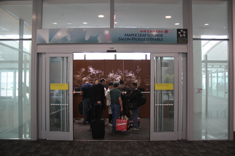 Air Canada Maple Leaf Lounge Toronto (International) – Entrance