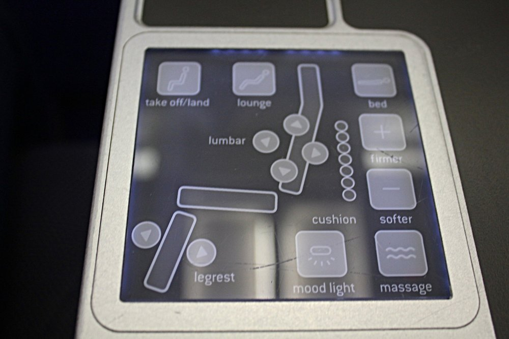 Brussels Airlines business class – Seat controls