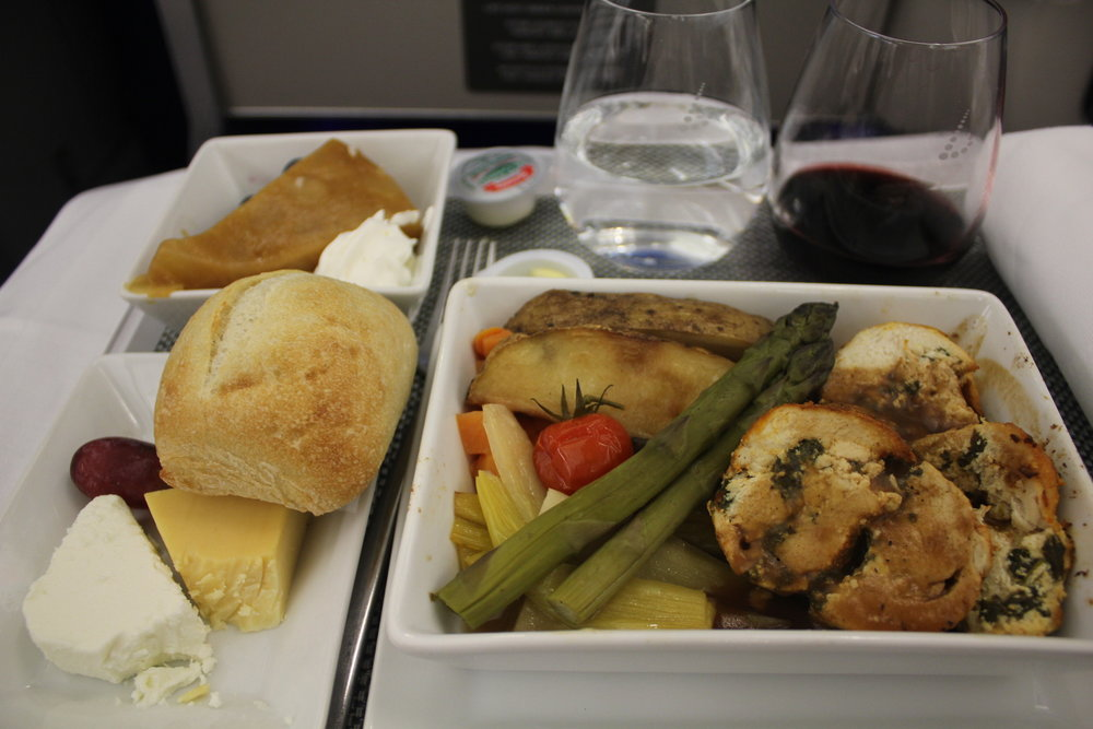 Brussels Airlines business class – Stuffed chicken breast