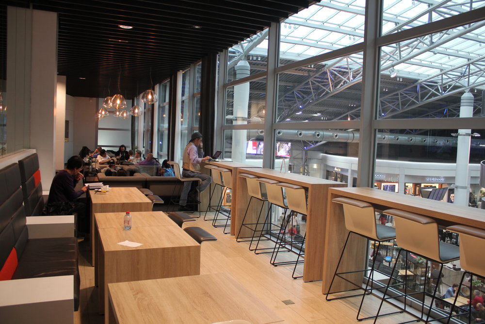The Loft by Brussels Airlines – Bar seats