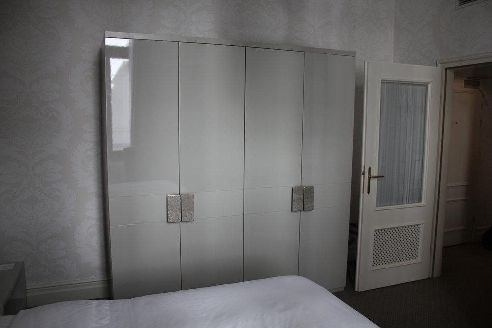 Hotel Bristol Warsaw – Cabinets
